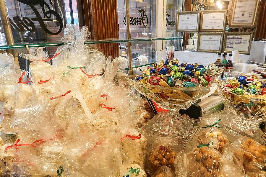 mentana vs ferrara bakery - photo#13