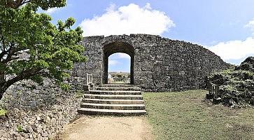 castello-nakagusuku