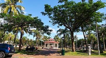 place-des-cocotiers