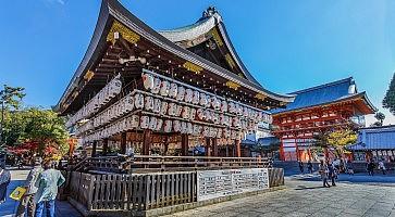 santuario-yasaka-jinja-f